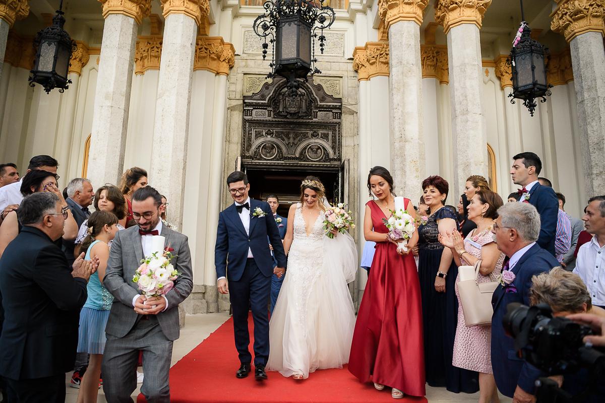 Traditii nunta Iesirea din biserica nunta Andreea si Ioan