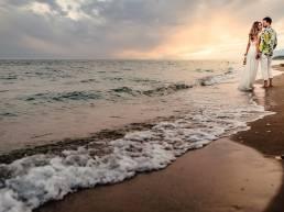fotograf nunta bucuresti trash the dress pe plaja